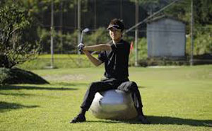 ゴルファー、サッカー選手、野球選手、アスリートの練習にもバランスボールは大活躍